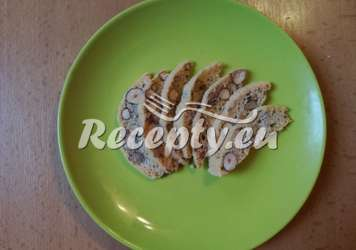 Chlebíček s lískovými ořechy
