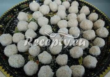 Kokosové fitness kuličky alá Raffaello