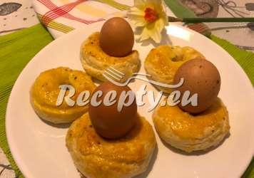 Kynuté velikonoční věnečky na vajíčka