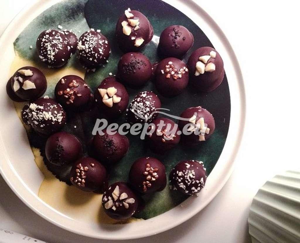 Čokoládové kuličky z piškotů