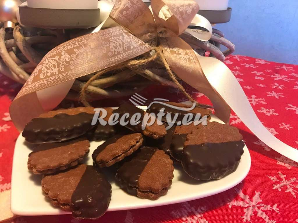 Čokoládové lístečky máčené v čokoládě
