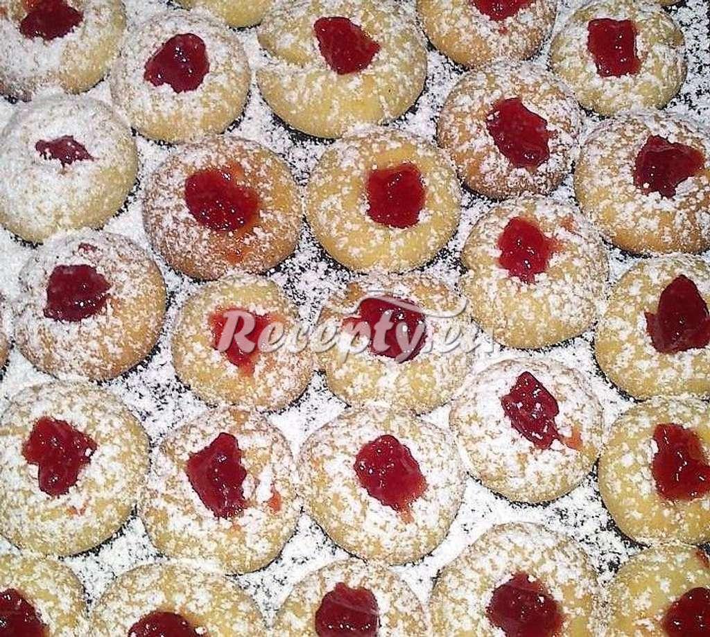 Důlkové cukroví s marmeládou