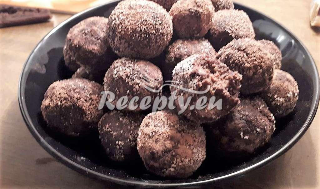 Mandlové kuličky s hořkým kakaem