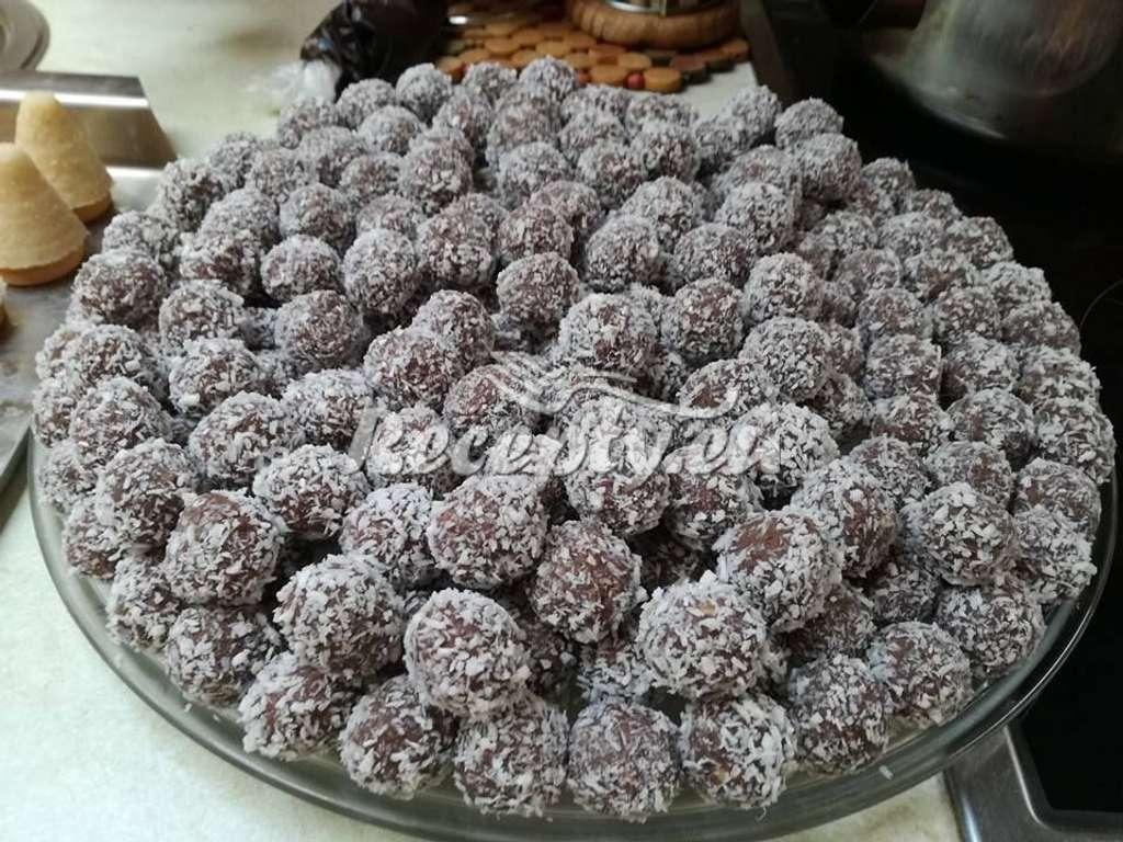 Ořechové kuličky s kakaem